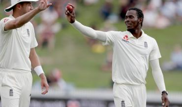 Jofra Archer Stuart Broad Ashes England Cricket